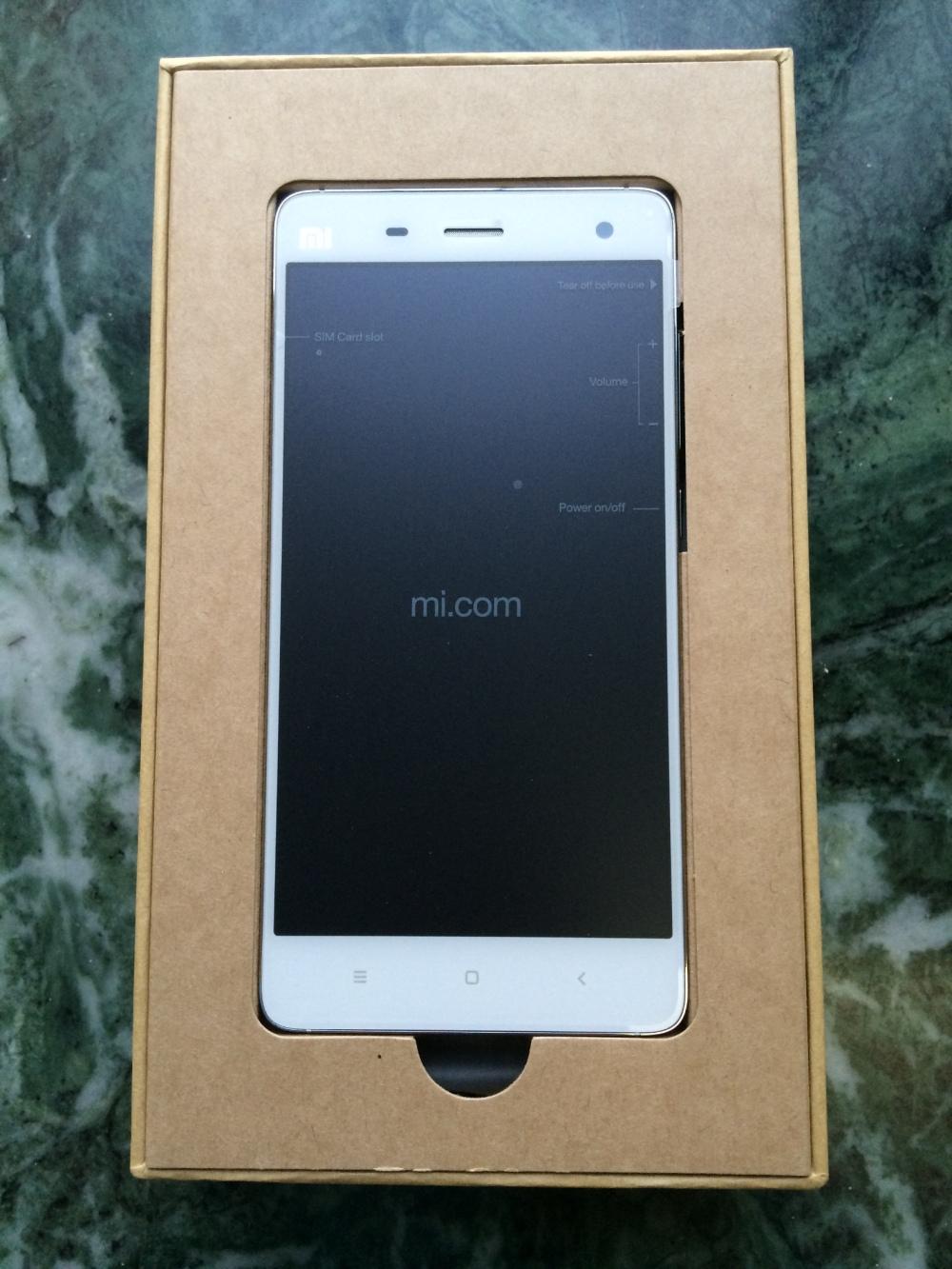 Xiaomi Mi 4 unboxed